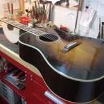 Gibson Southern Jumbo 2007年製 ナット&オフセットサドル作成交換・ブリッジ弦誘角度調整・バック板タッチアップ補修